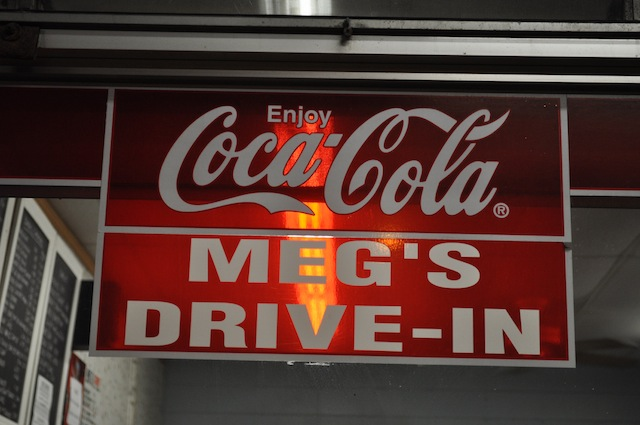 The FoodPosse Visits Megs Drive In (@megsdrivein @ricknakama @melissa808 @worldwideed @tadasauce @mel808)