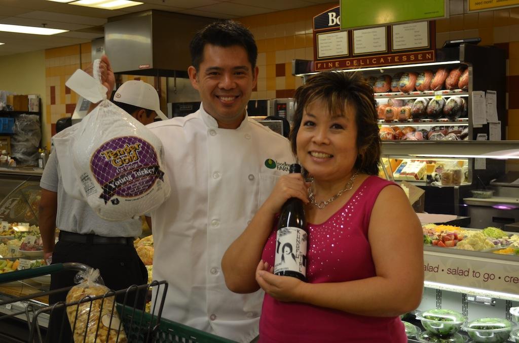 Hawaii: IRL – Melissa Visits with Chef Keoni Chang of Foodland Hawaii to Talk Turkey (@melissa808 @foodlandhi)