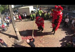 Chinese Lion Dancing at the Outrigger Waikiki Beach Resort – 2/21/15 (@outriggerwaikik @singyunghawaii)