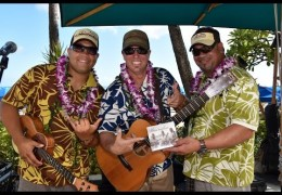 Na Mele No Na Pua with Maunalua Live at Waikiki Beach Walk on 11/8/2015 (@waikikibeachwlk @maunaluamusic) #outriggermele #outriggermusic